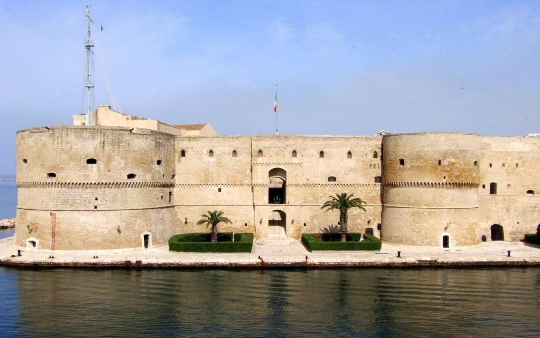 castello-aragonese-di-taranto4.jpg