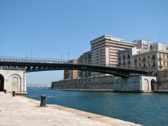 Ponte_di_San_Francesco_di_Paola,_Taranto_2007